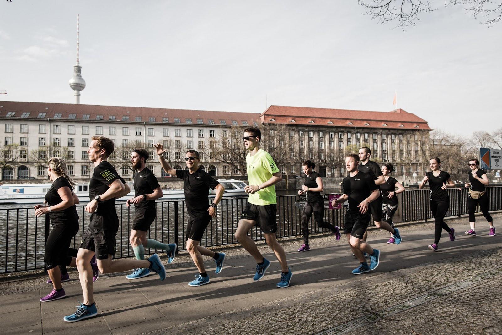 Hier seht ihr die neuen Nike Free Flyknit Train Force und RN