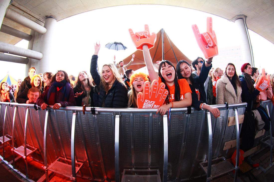 Königstag in Amsterdam, überall Party!