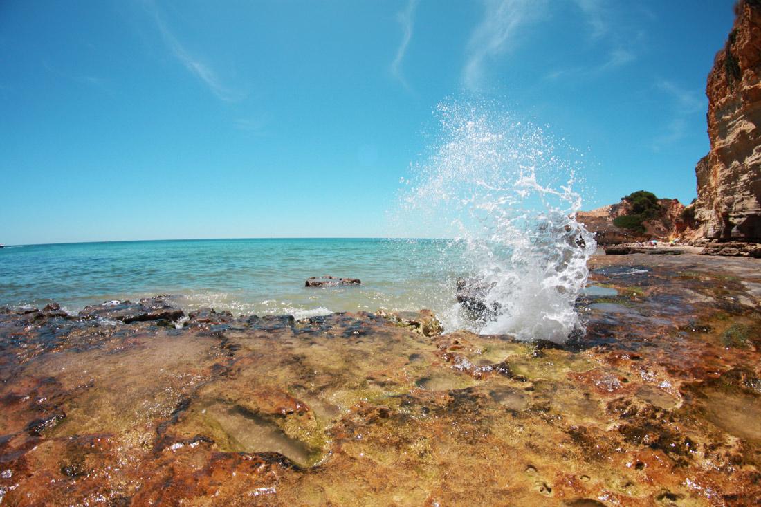 algarve-praia-olhos-d'agua-portugal-cliff-travelblog-water-ocean-love